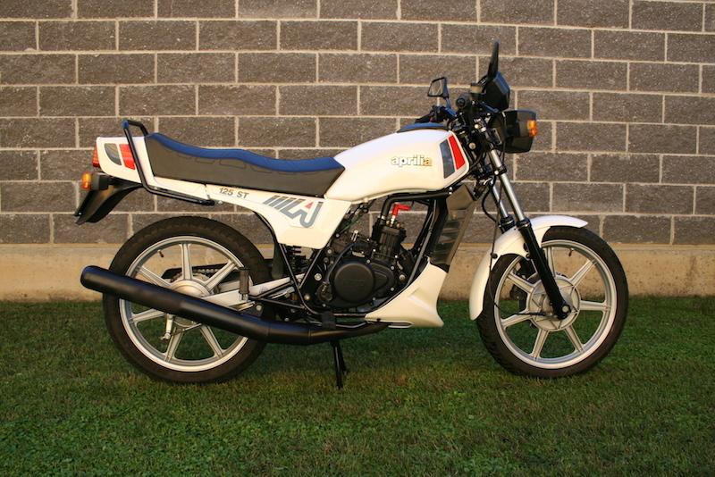 Aprilia ST 125 Romanz (3)