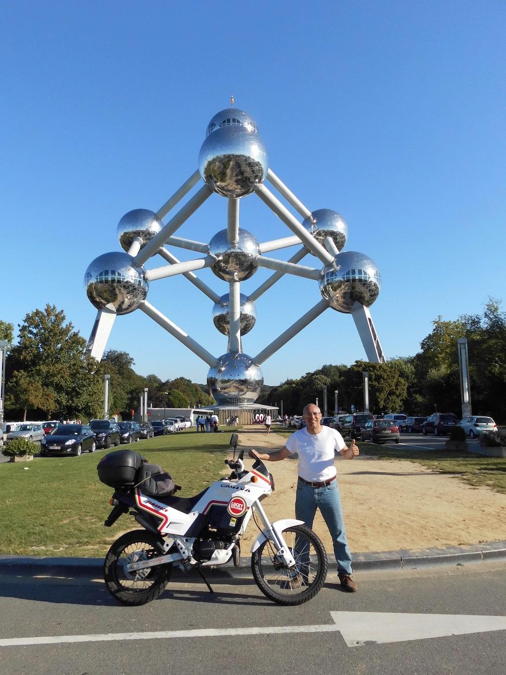 39 - Atomium